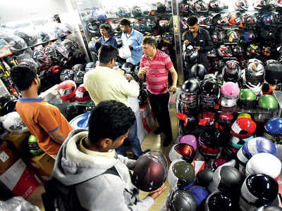 No petrol for all helmetless riders: Cops to tell pumps
