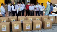 Nagpur: BJP workers distribute 700 PPE kits to corona warriors on Nitin Gadkari's birthday