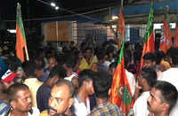 WB: BJP workers stage protest over increasing violence