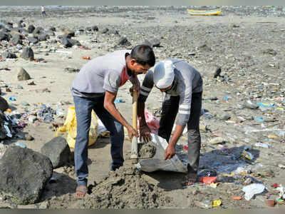 Illegal sand mining at Mahim Causeway