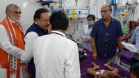 Union health minister Harsh Vardhan meets patients at Sri Krishna Medical College in Muzaffarpur