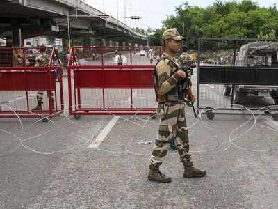 Amid communication shutdown, over 100, including political leaders, arrested in Jammu and Kashmir