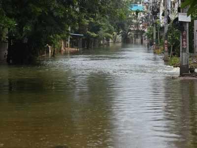 Heavy rains affect normal life in Andhra Pradesh, Telangana