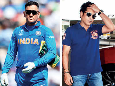 Fans unhappy with Sachin Tendulkar for criticizing MS Dhoni