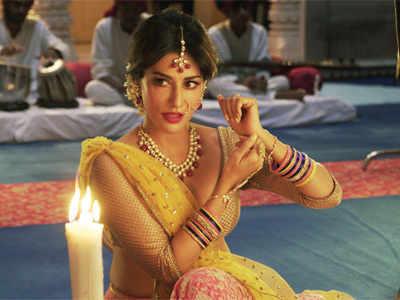 Saheb Biwi Aur Gangster 3 actress Chitrangada Singh pulls a Pakeezah