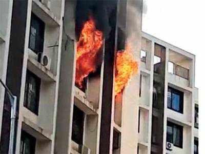 Residents lucky to flee blaze in Paldi society