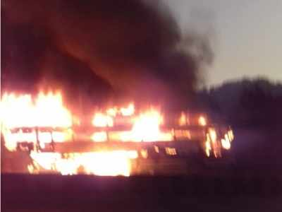 Luxury bus catches fire near Ghodbunder, miraculous escape for 25 passengers