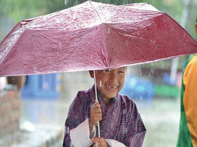 Mirrorlights: A guide to steer clear of monsoon diseases