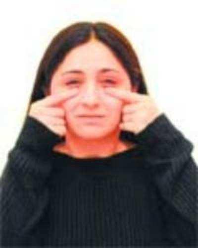 Facial yoga: wrinkle eraser