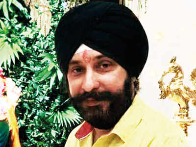 PMC Scam: EOW conducts search at director Rajneet Singh's flat in Sion Koliwada