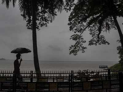 Severe Cyclonic Storm Nisarga weakens into Cyclonic Storm over coastal Maharashtra; Nashik, Raigad to receive extremely heavy rainfall