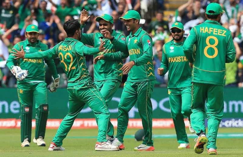 Pakistan beat South Africa in lucky win in rain-affected match