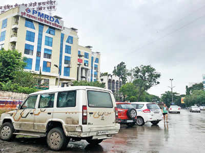 Parking problem eats up Aundh-Wakad Rd