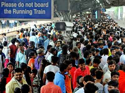 Central Railway's right advice to commuters: 'Keep left' while travelling