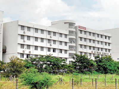 First-year law and engg students of SPPU seek explanation over multiple backlogs
