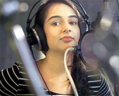 Suchitra, Shekhar's daughter on a song