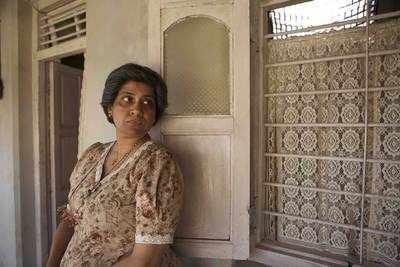 3 Storeys: Renuka Shahane's dialogue turns into a viral meme in social media
