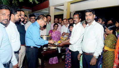 Karnataka: At this hospital, patients' caretakers get free lunch, dinner