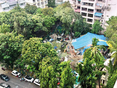 BMC takes back Bandra ground, razes structures