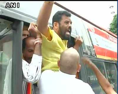 Cauvery Issue: Fresh violence erupts in Mysuru, Bengaluru