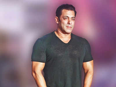 Salman rocks the salt-and-pepper look