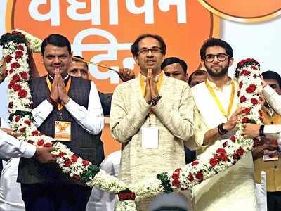 Maharashtra polls: Uddhav Thackeray and Devendra Fadnavis firm on alliance, says Sanjay Raut