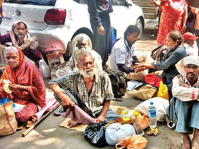 In a first, major hospital decides to treat beggars and homeless for free