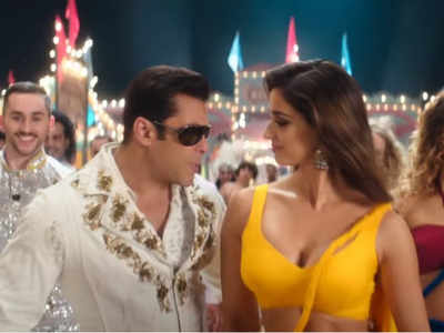 Ali Abbas Zafar gives sneak peek of Bharat's world in the 1960s with Slow Motion