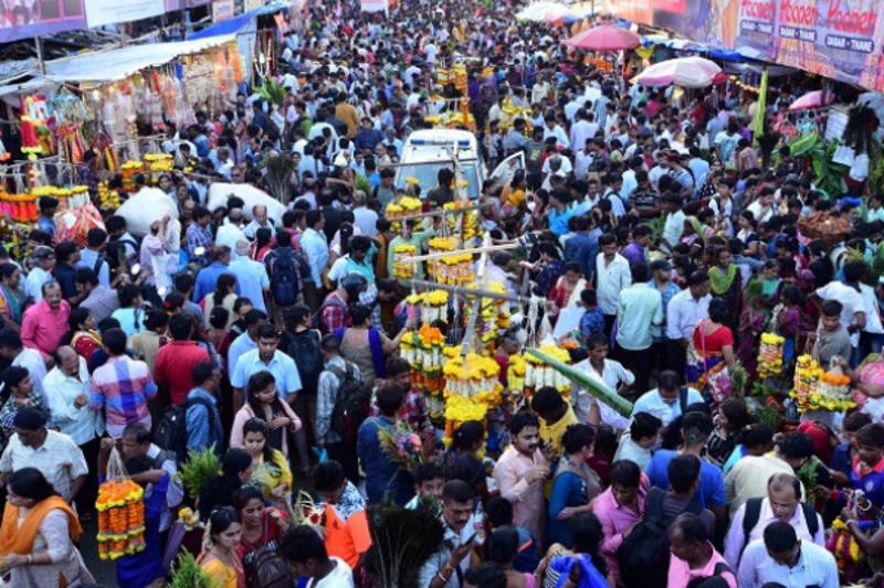 Photos: Ganesh Chaturthi 2018: Dadar market brims with joy during Ganeshotsav