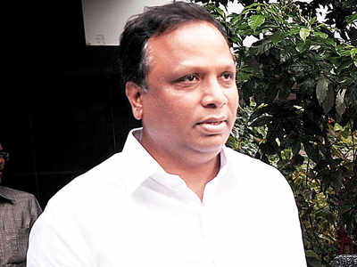 BJP sees Rs 299-cr scam in road contracts: Ashish Shelar claims BMC doling out contracts at costs above estimates