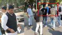Girl accidentally falls off moving auto in Delhi, AAP leader helps injured