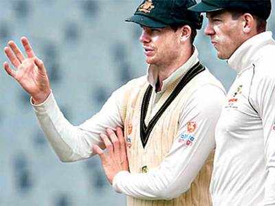 Ian Chappell: Why's Steve Smith setting field when Tim Paine's skipper?