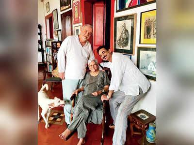 Wendell Rodricks and Jerome Marrel pay visit to Habiba Miranda