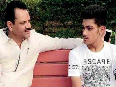 'Chowkidar' Jitu Vaghani's son reportedly caught cheating during BCA exam