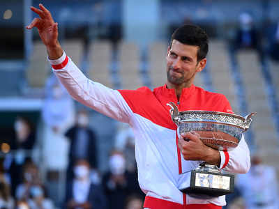 Djokovic edges out Tsitsipas to win French Open title