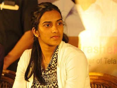 China Open: PV Sindhu enters quarters; Saina Nehwal, HS Prannoy crash out