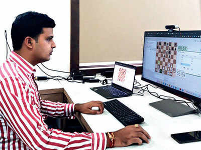 Online, chess stars make cautious move despite excitement