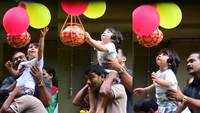 Taimur Ali Khan's pictures celebrating Dahi Handi are the cutest things you'll see on internet today!