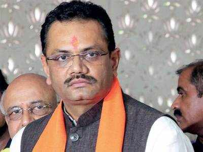 Jitu Vaghani does it again, calls Muslim Congress leader 'goon'