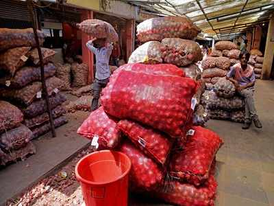 Andhra Pradesh plans market intervention to slash onion rates, traders say wait for Solapur variety after Diwali