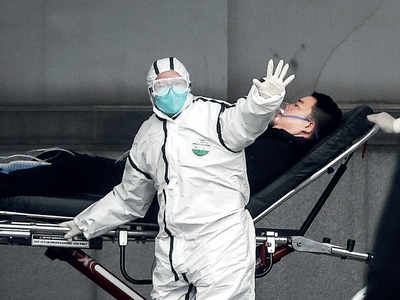 Virus casts shadow over Chinese holiday