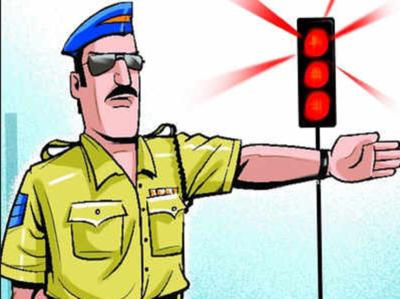 Mumbai: Traffic cop injured after 18 year old biker knocks him on Jogeshwari Vikhroli Link Road