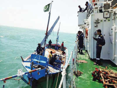 Pakistani boat carrying 200 kg heroin worth Rs 600 cr seized