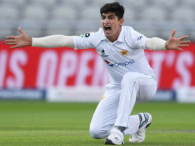 Pakistan bowlers have England in trouble after Masood 156