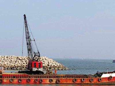 MMB dredges Mandwa area before Ro-Ro services could start
