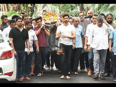 Hrithik Roshan, Sussanne Khan, Abhishek Bachchan, Kunal Kapoor attend the last rites of J Om Prakash