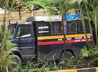 Mumbai: Police van is helping US visa seekers