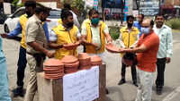 Civil defence group distributes earthen pots for bird feeding in UP's Moradabad