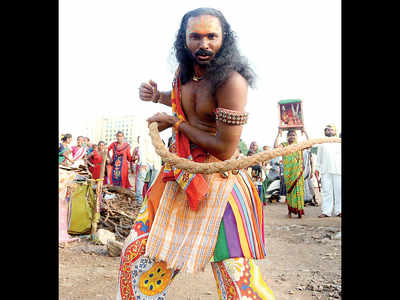 Nomadic tribes claim cops not allowing street shows