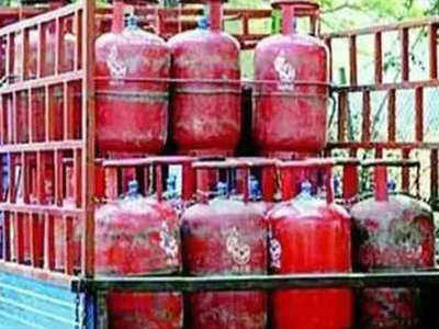 LPG cylinder prices hiked by Rs 25 in Mumbai, breach Rs 800-mark